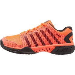 KSWISS HYPERCOURT EXPRESS HB  Obuwie do tenisa Outdoor neon blaze/black. Czerwone buty do tenisa męskie K-SWISS, z gumy. W wyprzedaży za 471,20 zł.