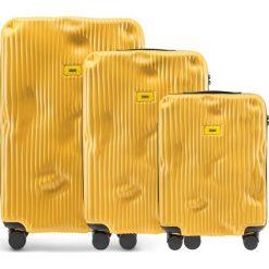 Walizki Stripe w zestawie 3 el. Mustard Yellow. Żółte walizki Crash Baggage, z materiału. Za 2796,00 zł.
