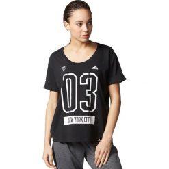 Adidas Koszulka NYC czarna r. M (AY4978). Czarne topy sportowe damskie Adidas, m. Za 104,70 zł.