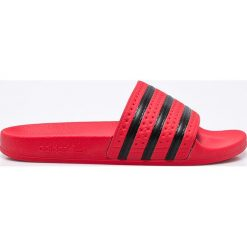 Adidas Originals - Klapki. Różowe klapki męskie adidas Originals, z gumy. W wyprzedaży za 159,90 zł.