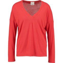 Bluzki asymetryczne: Karen by Simonsen MAESTRO Bluzka z długim rękawem mars red