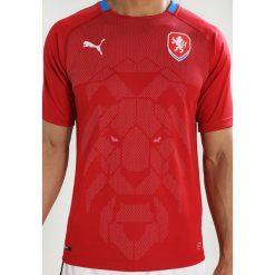 Puma TSCHECHIEN HOME REPLICA Tshirt z nadrukiem chili pepper/royal. Czerwone t-shirty męskie z nadrukiem Puma, m, z materiału. Za 379,00 zł.