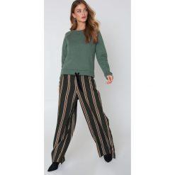 Minimum Bluza Timian - Green. Zielone bluzy rozpinane damskie Minimum, z długim rękawem, długie. W wyprzedaży za 85,19 zł.