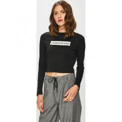 Calvin Klein Jeans - Bluzka. Szare bluzki z odkrytymi ramionami Calvin Klein Jeans, m, z aplikacjami, z bawełny, z okrągłym kołnierzem. Za 229,90 zł.