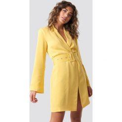 Hannalicious x NA-KD Sukienka-marynarka - Yellow. Żółte sukienki mini marki Hannalicious x NA-KD, z długim rękawem. Za 283,95 zł.