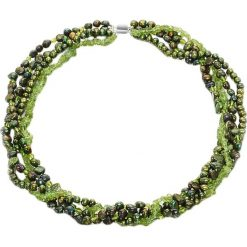 Naszyjniki damskie: Naszyjnik w kolorze srebrnym z pereł i perydotów – (D)43 cm