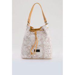 Torba z oryginalnym printem. Szare torebki klasyczne damskie Monnari, ze skóry, zdobione. Za 87,60 zł.