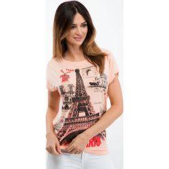 Łososiowy t-shirt z aplikacją 1676. Czerwone t-shirty damskie Fasardi, z aplikacjami. Za 19,00 zł.