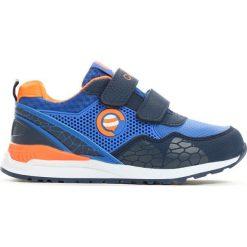 Niebiesko-Pomarańczowe Buty Sportowe Plumy. Brązowe buty sportowe chłopięce marki Born2be, ze skóry, z okrągłym noskiem, na płaskiej podeszwie, na rzepy. Za 39,99 zł.