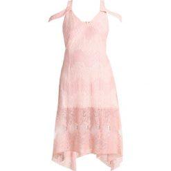 Sukienki hiszpanki: Little Mistress Curvy PANLE FIT AND FLARE DRESS Sukienka koktajlowa peach