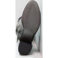 Carvela WATERLOO  Kozaki na obcasie black. Czarne kozaki damskie na obcasie Carvela, z materiału. W wyprzedaży za 649,50 zł.
