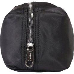 Kosmetyczki męskie: Calvin Klein Jeans PILOT WASHBAG Kosmetyczka black