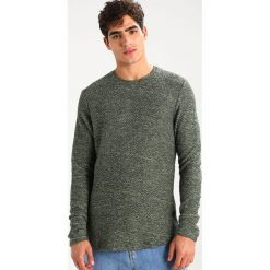 Swetry męskie: Jack & Jones JORDRUM CREW NECK Sweter thyme