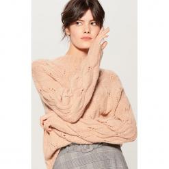 Ażurowy sweter z wełną - Fioletowy. Fioletowe swetry klasyczne damskie Mohito, l, z wełny. Za 129,99 zł.