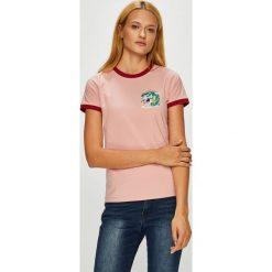 Femi Stories - Top Tami. Różowe topy damskie marki Femi Stories, l, z nadrukiem, z bawełny, z okrągłym kołnierzem. W wyprzedaży za 119,90 zł.