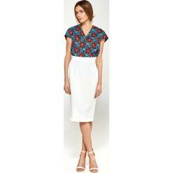 Bluzka z Dekoltem V z Mini Rękawkiem - Kwiaty. Czerwone bluzki wizytowe Molly.pl, l, w kwiaty, z jeansu, klasyczne, dekolt w kształcie v, z krótkim rękawem. Za 108,90 zł.