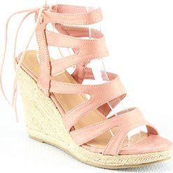 Rzymianki damskie: Sandały na koturnie w kolorze jasnoróżowym