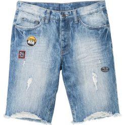 """Bermudy dżinsowe Regular Fit bonprix niebieski """"used"""". Niebieskie bermudy męskie bonprix, z aplikacjami, z jeansu. Za 49,99 zł."""