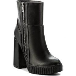 Botki GUESS - Giorgina FLGIO4 ELE10 BLACK. Niebieskie buty zimowe damskie marki Guess, z materiału. W wyprzedaży za 319,00 zł.