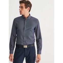 Koszula regular fit - Granatowy. Niebieskie koszule męskie marki Reserved, l. Za 119,99 zł.