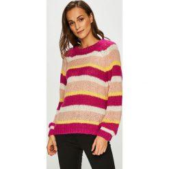 Vero Moda - Sweter. Szare swetry klasyczne damskie marki Vero Moda, l, z dzianiny, z okrągłym kołnierzem. Za 149,90 zł.
