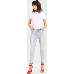 Circle of Trust BASIL NEEDLE PUNCH Jeansy Slim Fit ice blue. Brązowe jeansy damskie marki Circle of Trust, xl, z materiału. W wyprzedaży za 377,10 zł.