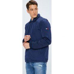Tommy Jeans - Kurtka. Niebieskie kurtki damskie jeansowe Tommy Jeans, l. W wyprzedaży za 499,90 zł.