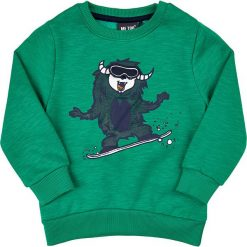 Bluza w kolorze zielonym. Zielone bluzy chłopięce marki MeToo, z aplikacjami. W wyprzedaży za 57,95 zł.