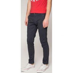 Only & Sons - Spodnie. Szare chinosy męskie marki Only & Sons, z bawełny. W wyprzedaży za 79,90 zł.