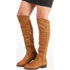 ZAMSZOWE KOZAKI NA PŁASKIM OBCASIE. Niebieskie buty zimowe damskie SUPER ME, z zamszu, na płaskiej podeszwie. Za 109,90 zł.