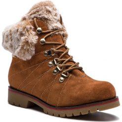 Trapery CAPRICE - 9-26217-21 Cognac Suede 307. Brązowe buty zimowe damskie Caprice, z materiału. W wyprzedaży za 259,00 zł.