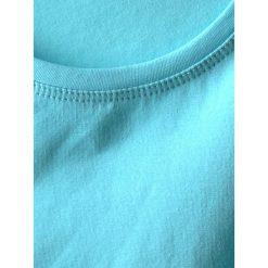 Bluzka basic bokserka błękitna. Niebieskie bluzki z odkrytymi ramionami Yups, m, z bawełny, młodzieżowe. Za 29,99 zł.
