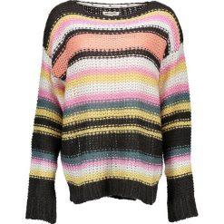 Sweter z kolorowym wzorem. Różowe swetry klasyczne damskie marki Billabong, xs, z dzianiny, z okrągłym kołnierzem. W wyprzedaży za 193,95 zł.
