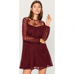 Sukienka mini - Bordowy. Czerwone sukienki mini marki Mohito, l, w koronkowe wzory. Za 139,99 zł.