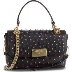 Torebka GUESS - HWVISM L9121 SML. Czarne torebki klasyczne damskie marki Guess, z aplikacjami, ze skóry. Za 1029,00 zł.