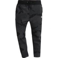 GStar RODIS CAMO CROPPED SW PANT Spodnie treningowe dark black/night. Czarne spodnie dresowe męskie G-Star, z bawełny. Za 419,00 zł.