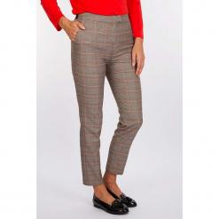"""Spodnie """"Dandys"""" w kolorze szaro-pomarańczowym. Szare spodnie z wysokim stanem Scottage, w kratkę. W wyprzedaży za 99,95 zł."""