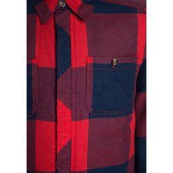 Abercrombie & Fitch PLAID Kurtka przejściowa red. Niebieskie kurtki chłopięce przejściowe marki Abercrombie & Fitch. W wyprzedaży za 191,20 zł.