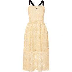 Sukienki hiszpanki: PERSEVERANCE LONDON AZTEK GUIPURE STRAPPY MIDI DRESS Sukienka letnia soft yellow