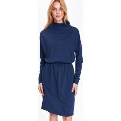 SUKIENKA DAMSKA GŁADKA. Niebieskie sukienki z falbanami marki Top Secret. Za 129,99 zł.