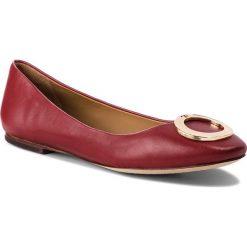 Baleriny TORY BURCH - Caterina Ballet Flat 51672 Dark Redstone 601. Czerwone baleriny damskie marki Tory Burch, ze skóry. Za 1079,00 zł.