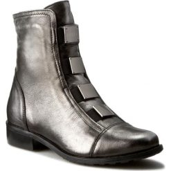 Botki EKSBUT - 64-3520-E04-1G Czarmy/Srebrny Lic Nie. Szare buty zimowe damskie Eksbut, ze skóry, na obcasie. W wyprzedaży za 259,00 zł.