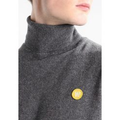 Wood Wood IRA TURTLENECK Sweter grey melange. Szare swetry klasyczne męskie Wood Wood, l, z materiału. Za 589,00 zł.