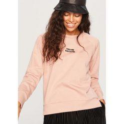 Bluza z napisem - Różowy. Czerwone bluzy damskie marki Reserved, l, z napisami. W wyprzedaży za 29,99 zł.