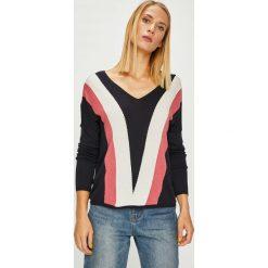 Only - Sweter. Różowe swetry klasyczne damskie ONLY, l, z dzianiny. W wyprzedaży za 99,90 zł.