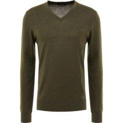 J.LINDEBERG LYMANN TRUE Sweter green melange. Zielone swetry klasyczne męskie J.LINDEBERG, m, z materiału. Za 419,00 zł.