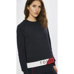 Tommy Hilfiger - Bluza. Czarne bluzy z nadrukiem damskie TOMMY HILFIGER, l, z bawełny, bez kaptura. Za 399,90 zł.