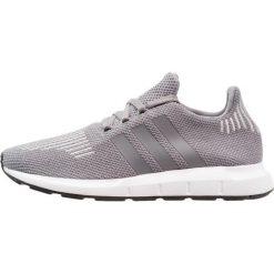 Adidas Originals SWIFT RUN Tenisówki i Trampki grey three /core black. Szare tenisówki damskie marki adidas Originals, z materiału. W wyprzedaży za 359,10 zł.