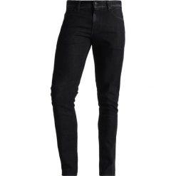 Armani Exchange Jeansy Slim Fit black denim. Czarne jeansy męskie marki Armani Exchange, l, z materiału, z kapturem. W wyprzedaży za 439,20 zł.