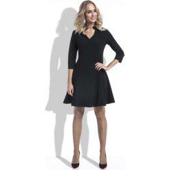 Czarna Sukienka Wizytowa Lekko Rozszerzana z Rękawem 3/4. Czarne sukienki hiszpanki Molly.pl, l, z tkaniny, wizytowe, dekolt w kształcie v, dopasowane. Za 129,90 zł.